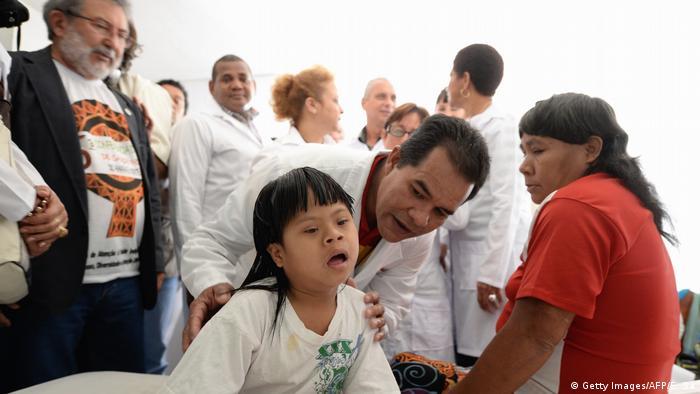 Ausländische Ärzte in Brasilien (Getty Images/AFP/E. Sa)