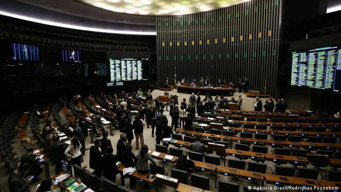 Participação feminina na Câmara segue abaixo da média latino-americana