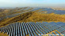 Globale Entwicklung von Erneuerbaren Energien: Solarfeld in China, Zhangjiakou