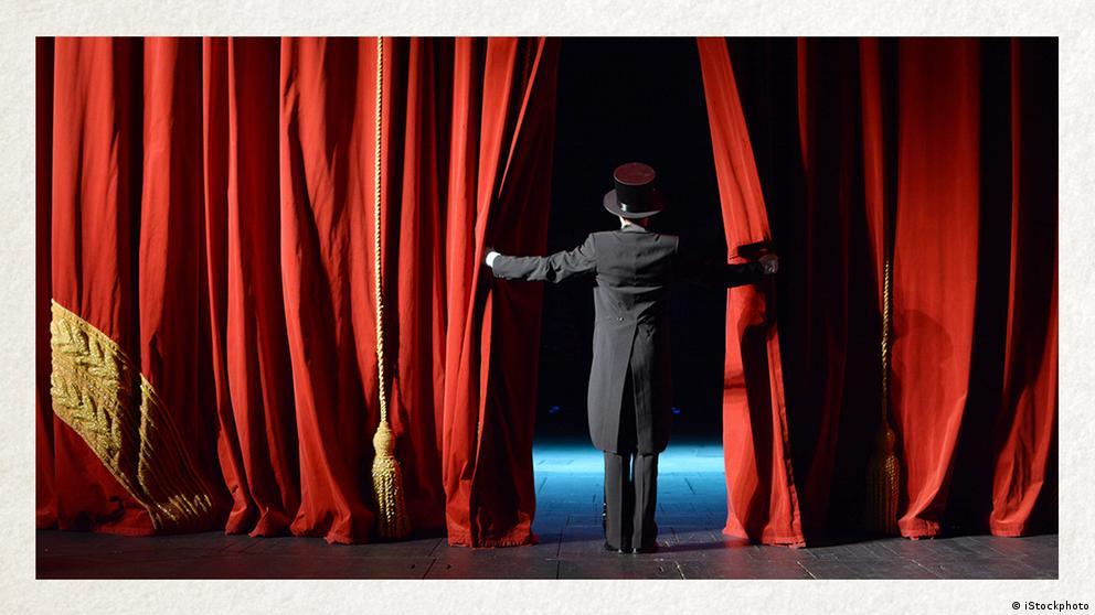 Deutschkurse   Wortschatz   WBS_Foto_Theaterspielen