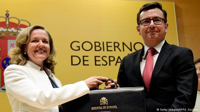 Spanien Ministerinnen im neuen Kabinett Nadia Calvino (Getty Images/AFP/J. Soriano)
