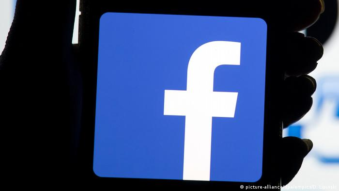 The Facebook Logo On A Mobile Phone Picture Alliance Dpa Empics
