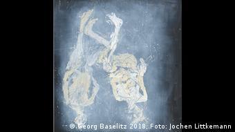 Dystopisches Paar - zwei menschliche Figuren kopfüber - ein Alterswerk von Georg Baselitz.