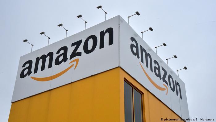 ارزش شرکت تجارت اینترنتی آمازون با افزایش ۶۰ درصدی به ۲۰۰ میلیارد و ۶۰۰ میلیون دلار رسید. این شرکت با ارتقا یک رتبه موفق شد در جایگاه دوم لیست اینتربرند قرار بگیرد. پاندمی کرونا، فاصلهگذاری اجتماعی و افزایش خریدهای آنلاین در موفقیت آمازون تاثیر بسزایی داشته است.