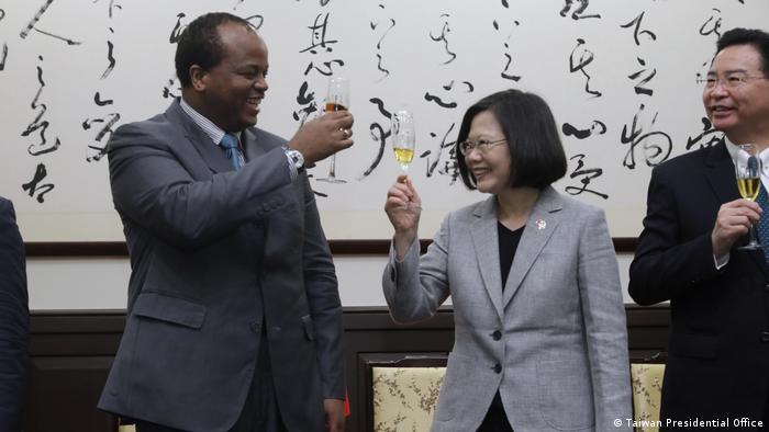Der taiwanesische Präsident Tsai Ing Wen trifft Eswatini-König Mswati III