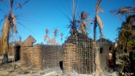 Mosambik, Macomia: Mucojo village had houses destroyed by armed groups (Privat)