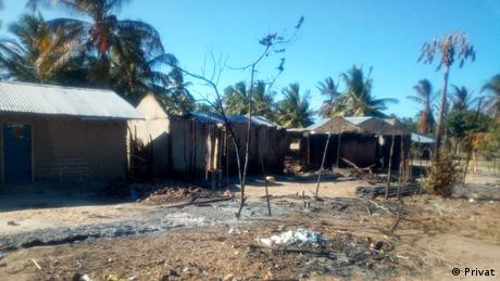 Mucojo village in Mozambique's Macomia province saw houses destroyed by armed groups (Privat)