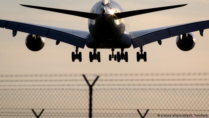 An Airbus A380 plane (picture-alliance/dpa/L. Faerberg)