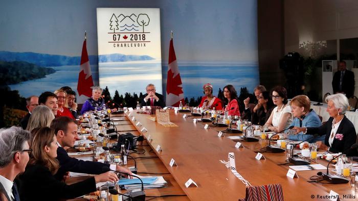 G7 Gipfel Kanada Gruppenbild Verhandlungsraum
