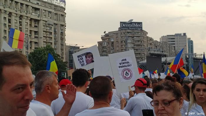Pancarte anti-Macovei