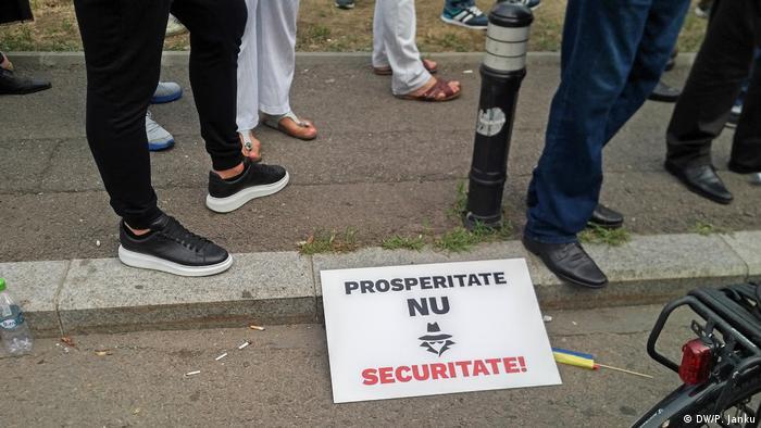Pancarta Prosperitate NU securitate