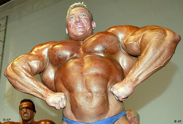 Aufatmen? Die hormonelle Zufuhr von Testosteron und Gestagen zur Verhütung frisiert den Körper des Mannes nicht (Foto: AP)