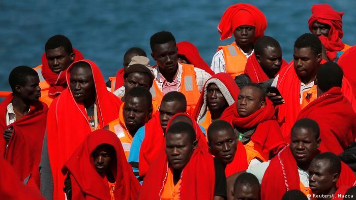 Spanien Ankunft gerettete Flüchtlinge in Malaga