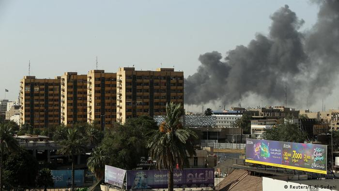Irak, Bagdad: Depot mit ausgefüllten Stimmzetteln in Flammen aufgegangen (Reuters/T. Al-Sudani)