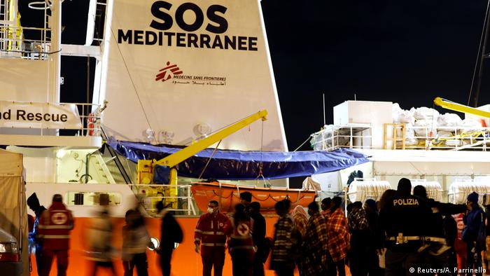 Italien Flüchtlinge in Augusta (Reuters/A. Parrinello)