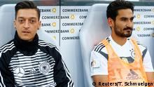 Deutschland Freundschaftsspiel Deutschland vs. Saudi-Arabien - Mesut Özil und Ilkay Gündogan auf der Bank