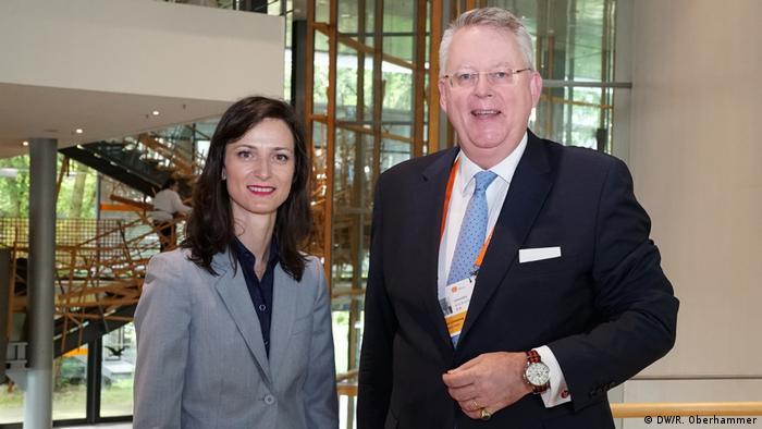 Comiarul european pentru economie şi societate digitală,Mariya Gabriel şi directorul general al DW, Peter Limbourg