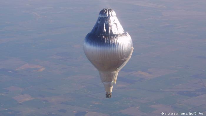 Symbolbild, Wörter der Woche: Ballonfahren/ Versuchsballon (picture-alliance/dpa/G. Pool)