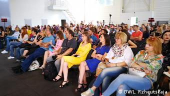Конференция Mezhyhiryafest-2018 проходит в ангаре для яхт в Межигорье