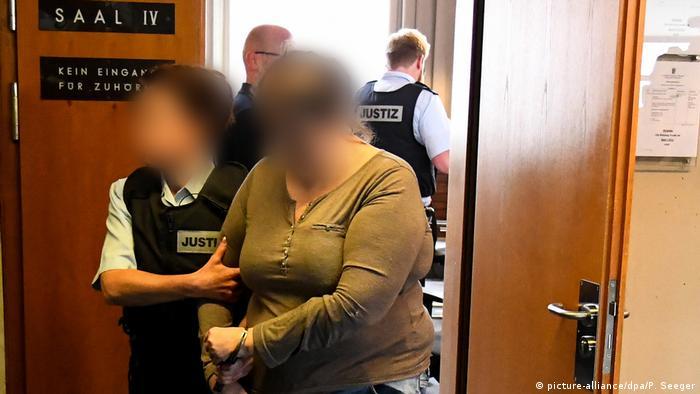 Missbrauchsfall Staufen - Prozess gegen Mutter und Lebensgefährte