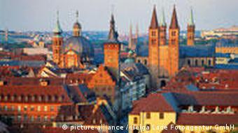 Würzburg im Morgenlicht (Foto: picture-alliance/dpa)