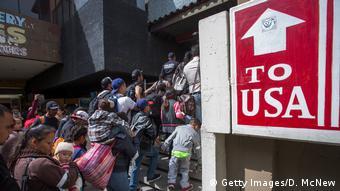 Mexiko Tijuana Grenze USA Migranten Karawane (Getty Images/D. McNew)