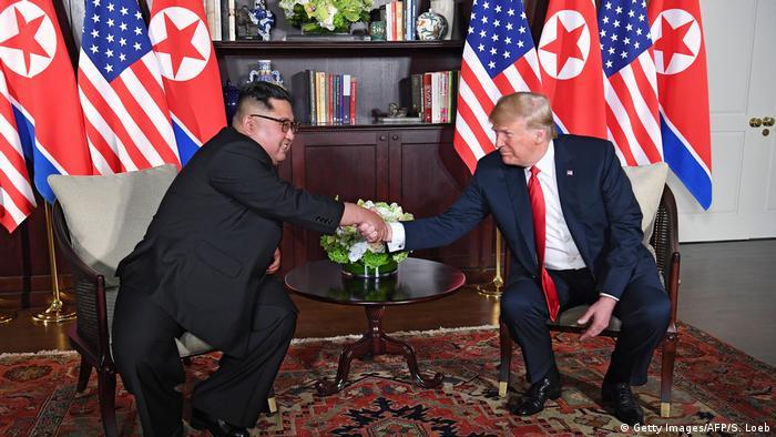 Singapur Sentosa USA-Nordkorea Gipfel Handshake