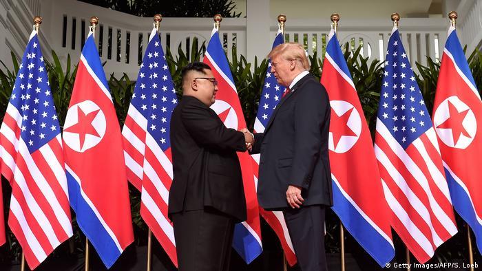 Singapur Sentosa USA-Nordkorea Gipfel 1. Händedruck