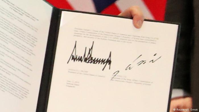 Nordkorea | Unterschriebenes Dokument von Donald Trump und Kim Jong Un in Singapur (Reuters/J. Ernst)