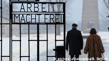 Mano Höllenreiner junto a su esposa Else, en el campo de concentración de Sachsenhausen. Desde aquí, el niño Mano fue enviado a la marcha de la muerte en 1945.