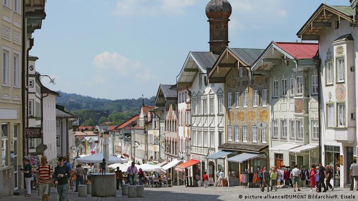 Oberbayern: Bad Tölz, Marktstraße (picture-alliance/DUMONT Bildarchiv/R. Eisele)