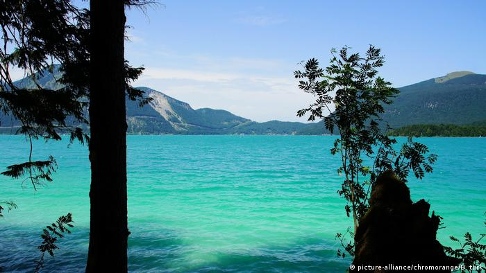 Sommer am Walchensee in den bayrischen Alpen (picture-alliance/chromorange/B. türk)