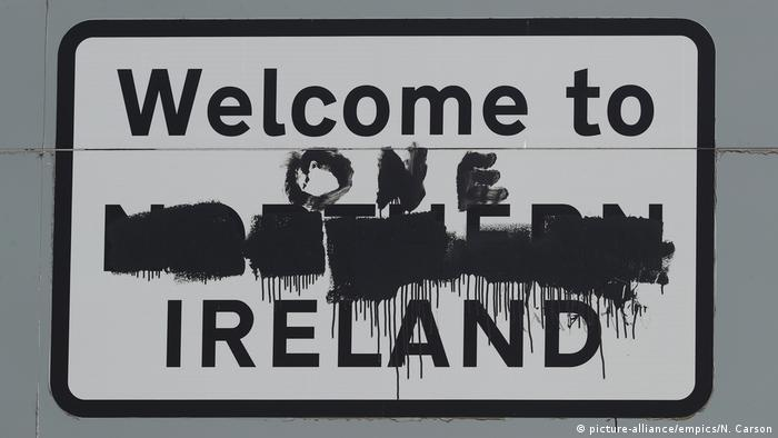 Welcome to One Ireland sign (picture-alliance/empics/N. Carson)