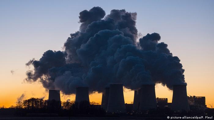 Электростанция на буром угле в Йеншвальде