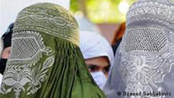 According to Bangladeshi tradition, burqas can be many different colors