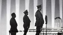 Nürnberg - Austellung HITLER.MACHT.OPER Reichsparteitag als Bühne: Adolf Hitler im Lichtdom, 1936.