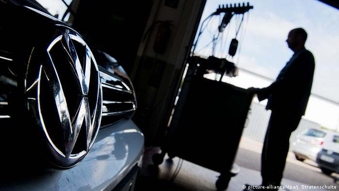 Volkswagen (picture-alliance/dpa/J. Stratenschulte)