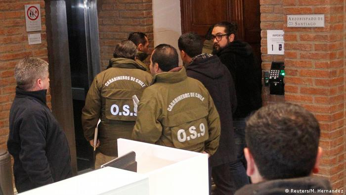 Raid on office of Ecclesiastical Court in archdiocese of Santiago