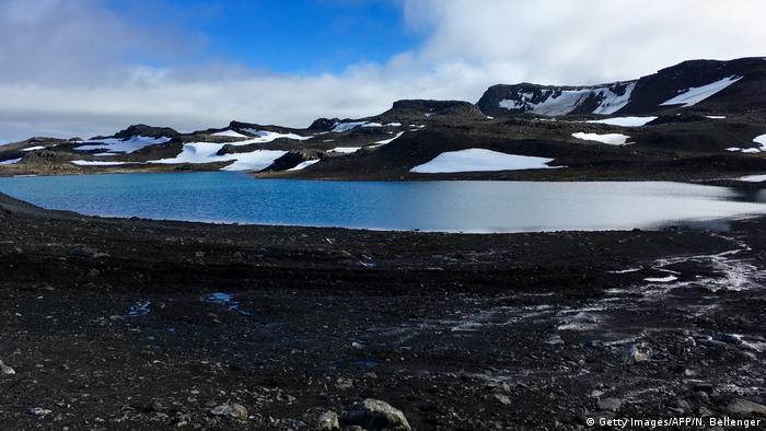 El hielo de la Antártida está desapareciendo. ¿Por qué no aprovechar su agua?