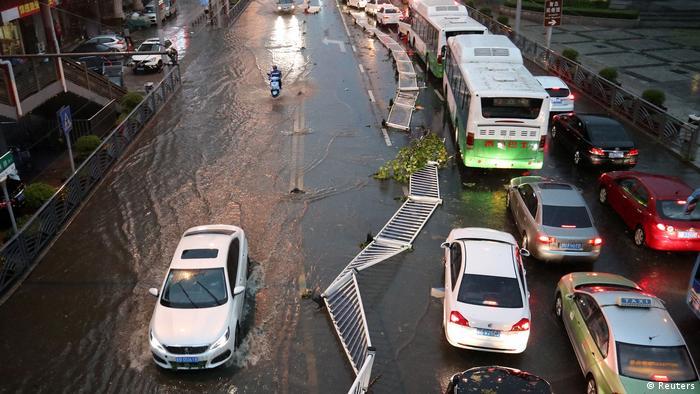 China Unwetter Überschwemmung (Reuters)
