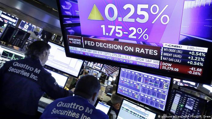 Wall Street Zinserhöhung (picture-alliance/AP Photo/R. Drew)