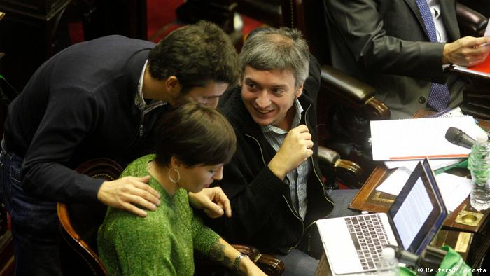 Argentine legeslators approve abortion bill in the lower house of parliament (Reuters/M. Acosta)