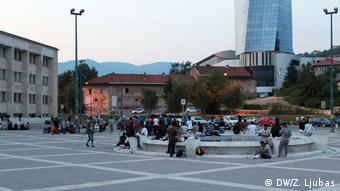 migrants outside Sarajevo railway station