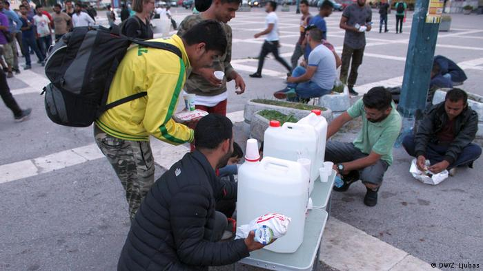 Refugees in Sarajevo receiving mails