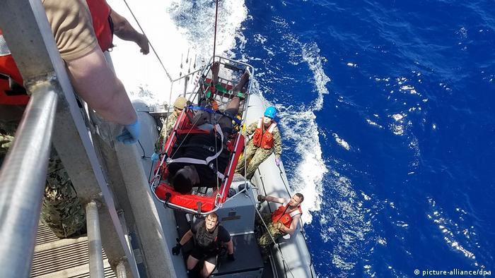 Порятунок біженців у Середземному морі