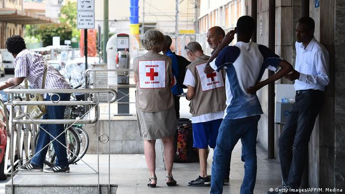 Red Cross workers at the Ventimiglia train station