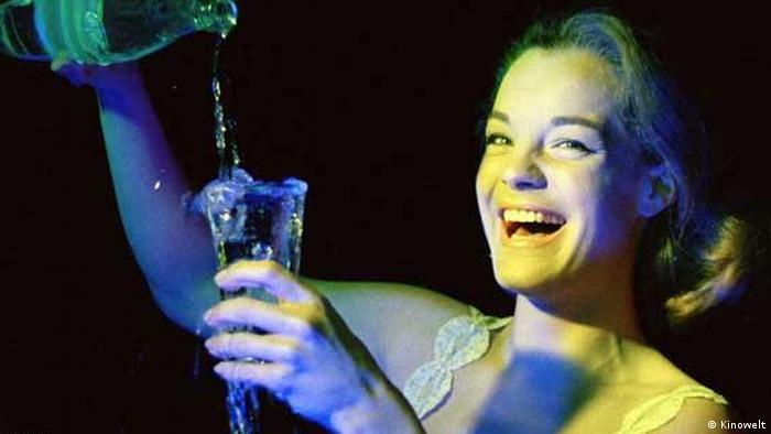 Romy Schneider lächelnd in Die Hölle von Henri Georges Clouzot.