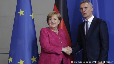 Στόλτενμπεργκ και Μέρκελ ζητούν διάλογο με τη Μόσχα