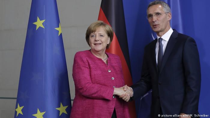 Канцлер ФРГ Ангела Меркель и генсек НАТО Йенс Столтенберг в Берлине (фото из архива)