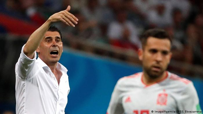 Spain boss Fernando Hierro enjoyed an eventful first match (Imago/Agencia EFE/J. Etxezarreta)